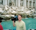 tom-at-trevi-fountain